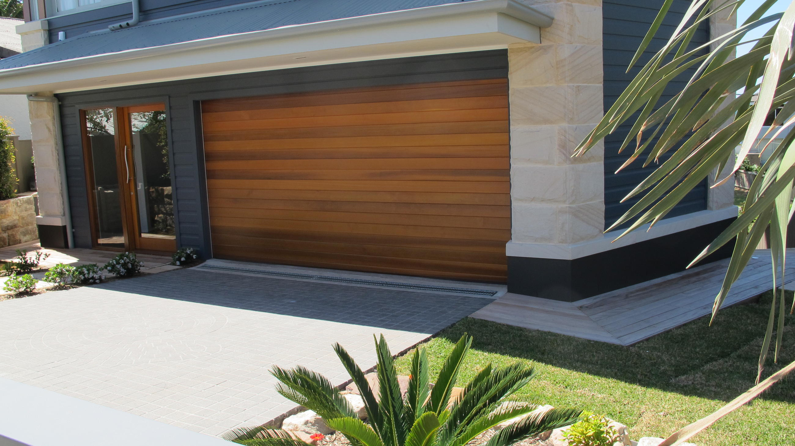 Western Red Cedar Garage Door Decor23