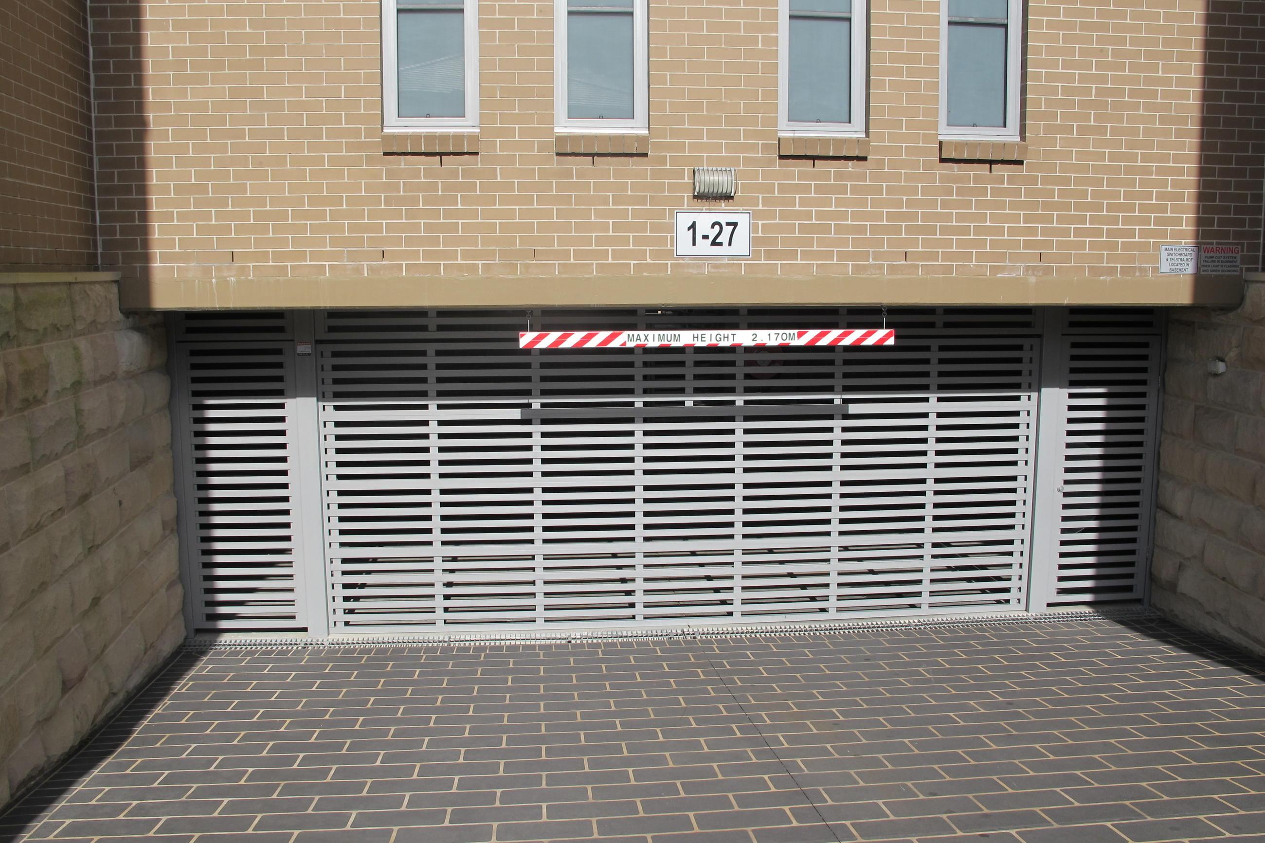 Aluminium Bar Amp Batten D Personality Garage Doors